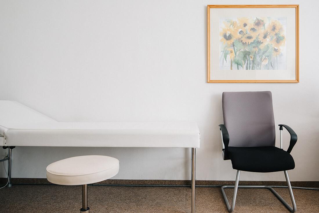 Hausarzt Partenkirchen - Dr. Kainz - ein Behandlungsraum der Praxis