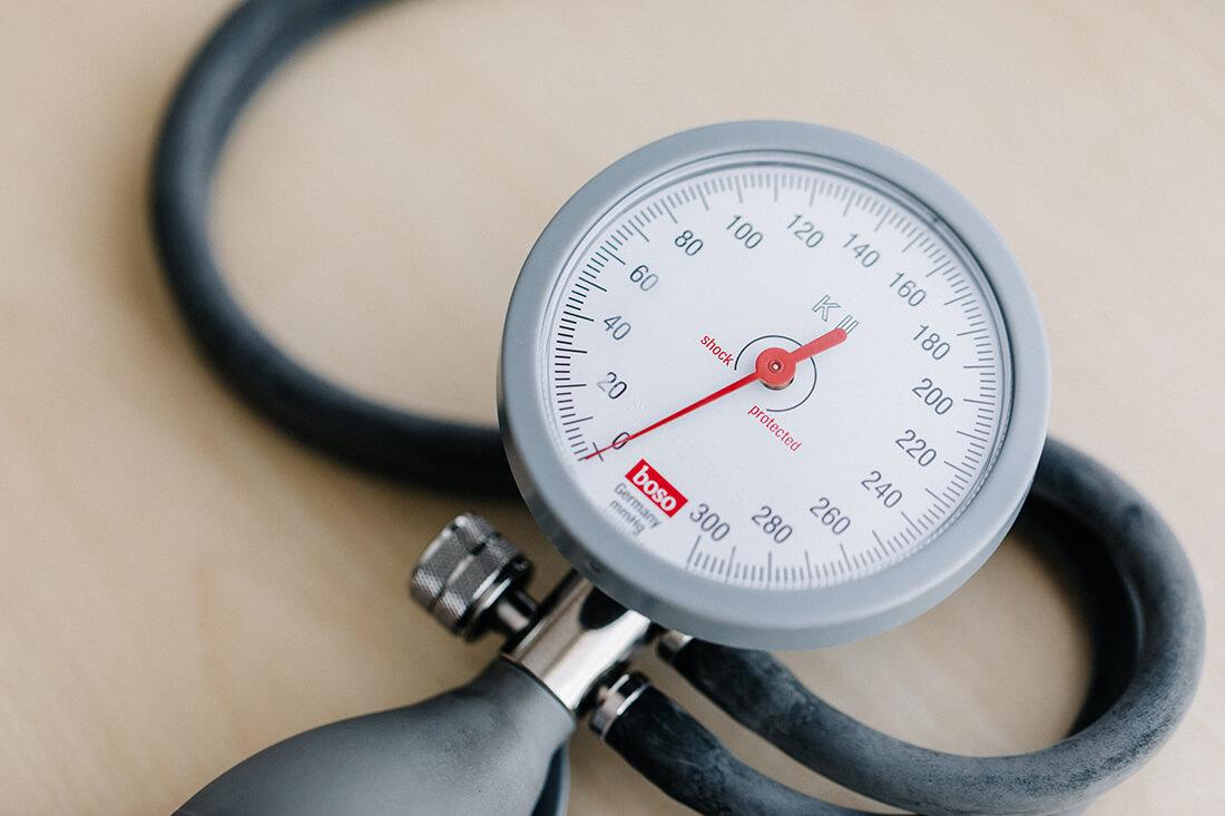 Hausarzt Partenkirchen - Dr. Kainz - Leistungen - Blutdruckmessen in der Praxis